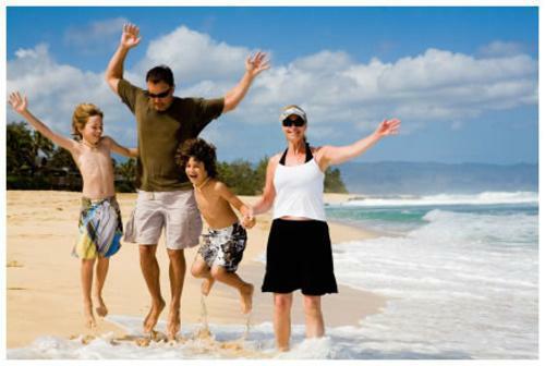 Půjčka na letní dovolenou u moře se někdy nevyplatí. Může vás stát až o 60% více než při platbě ihned.